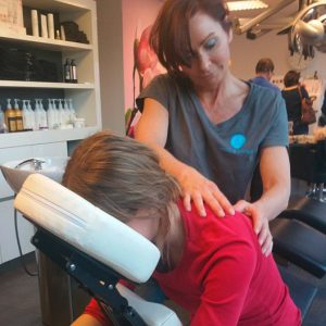 Le Coup Hairstyling Arnhem, een stoelmassage